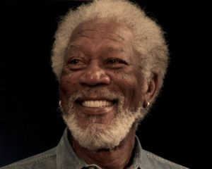 Difunden video de Morgan Freeman acosando a dos reporteras (Video)