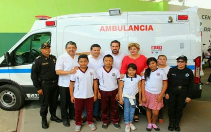 Policía Municipal de Kanasín recibe ambulancia