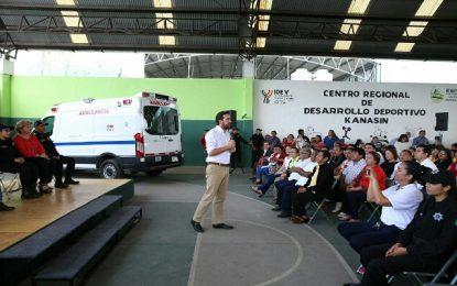 Recibe Kanasín ambulancia gestionada por Pablo Gamboa