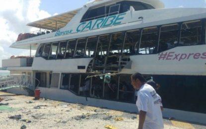 Explota ferry de Barcos Caribe en Playa del Carmen; 18 heridos