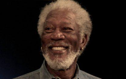 Difunden video de Morgan Freeman acosando a dos reporteras (Video)