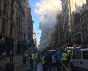 Se registra explosión de tubería de vapor en Nueva York